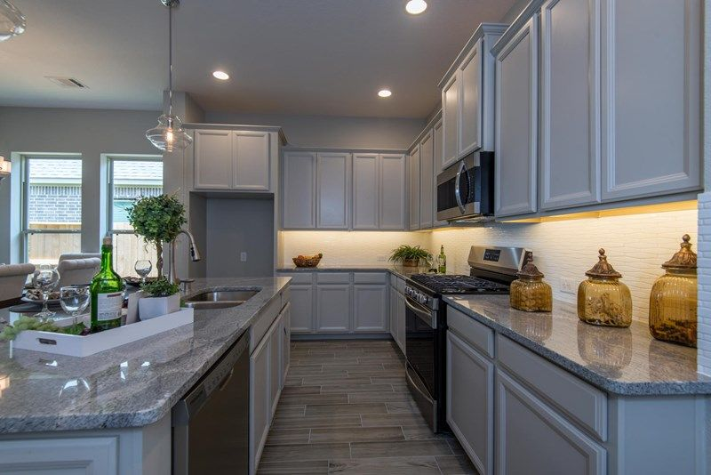 Kitchen-in-Kale-at-Pomona-in-Manvel
