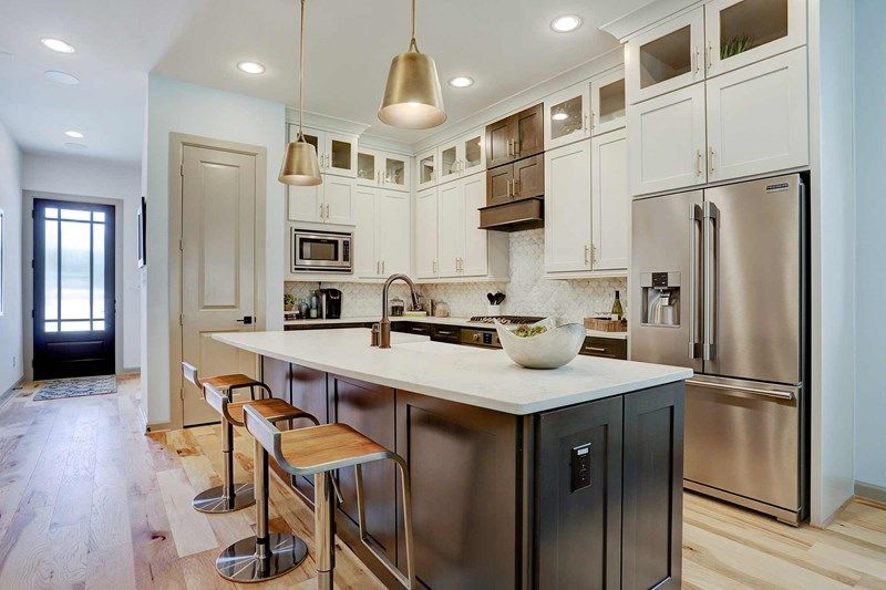 Kitchen-in-Spinnaker-at-Enclave at Valley Oaks-in-Houston