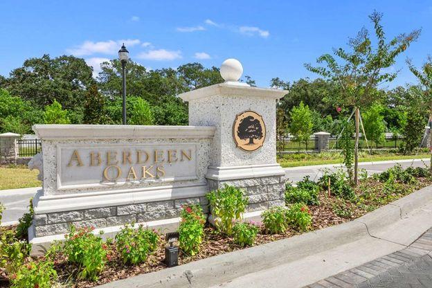 Aberdeen Oaks Entrance
