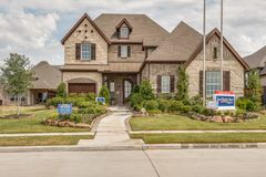 2891 Meadow Dell Drive (Pinecrest)