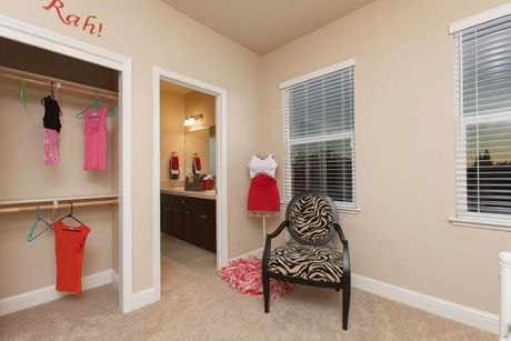 Study-in-Residence 350i-at-Envision at Loma Vista-in-Clovis