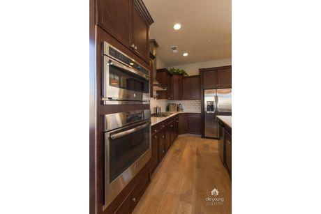 Kitchen-in-Residence 210i-at-Envision at Loma Vista-in-Clovis