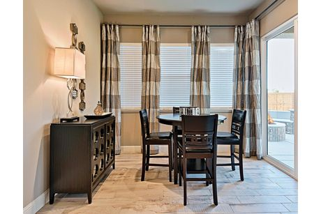 Breakfast-Room-in-Residence 350i-at-The Highlands-in-Clovis
