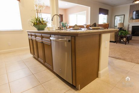 Kitchen-in-Residence 320i-at-The Highlands-in-Clovis