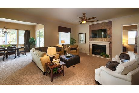 Greatroom-in-Residence 320i-at-RidgeView-in-Clovis