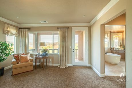 Foyer-in-Residence 260i-at-The Highlands-in-Clovis