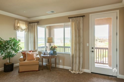 Study-in-Residence 260i-at-The Highlands-in-Clovis