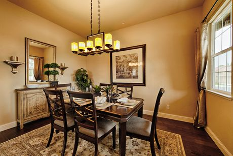 Dining-in-Residence 240i-at-RidgeView-in-Clovis