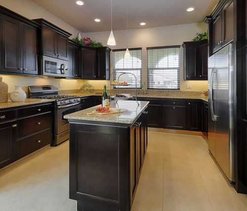 Kitchen-in-Residence 205i-at-RidgeView-in-Clovis