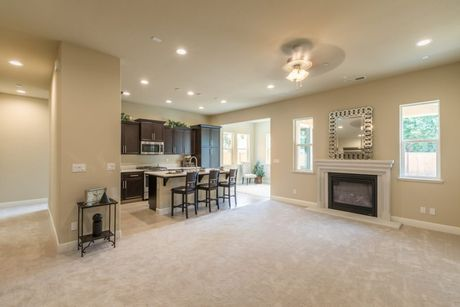 Recreation-Room-in-Residence 175i-at-The Highlands-in-Clovis