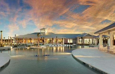 Clubhouse & Resort-Style Pool
