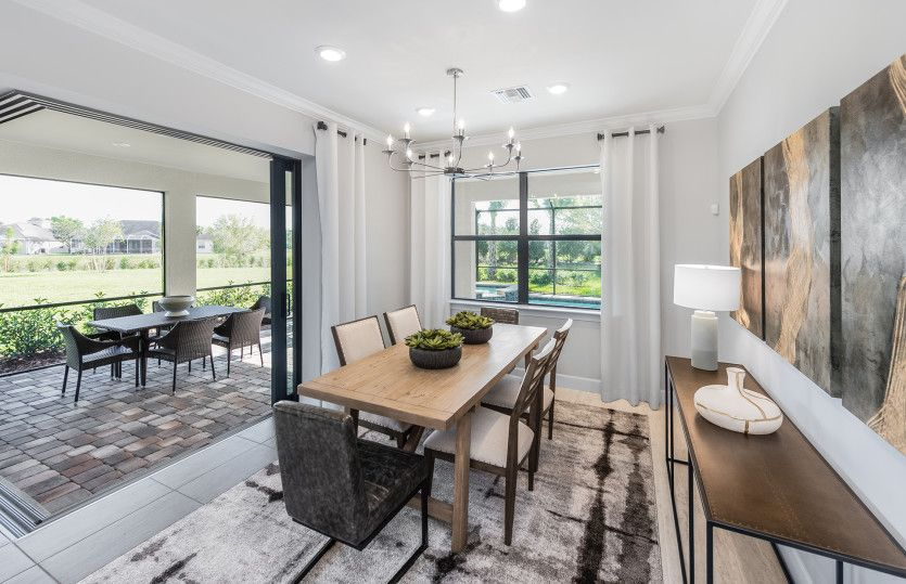 Dining-in-Summerwood-at-Del Webb Naples-in-Ave Maria