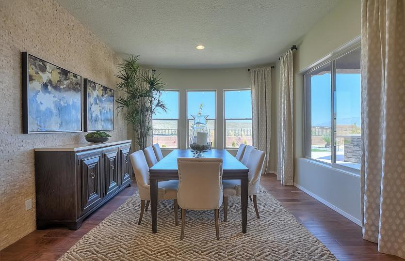 Dining-in-Serenity-at-Del Webb at Mirehaven-in-Albuquerque
