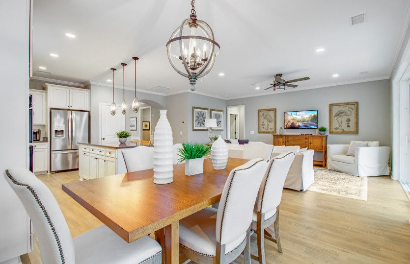 Dining-in-Abbeyville-at-Del Webb at Grande Dunes Myrtle Beach-in-Myrtle Beach