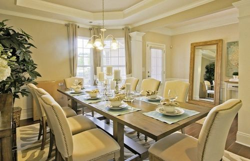 Dining-in-Napa Valley-at-Del Webb at Lake Oconee-in-Greensboro