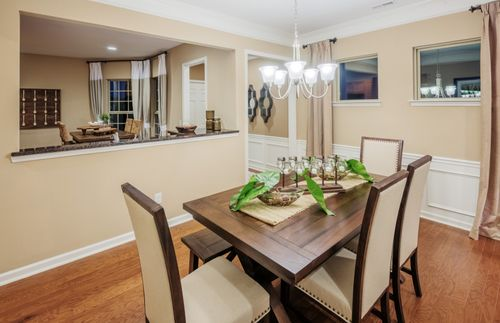 Dining-in-Noir Coast-at-Del Webb at Lake Oconee-in-Greensboro
