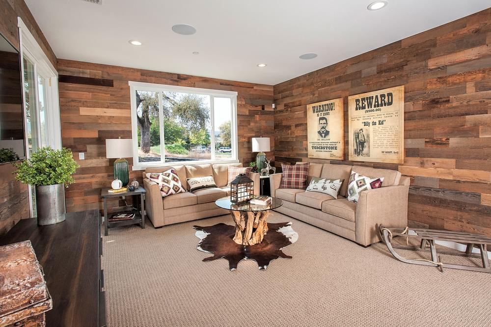 Greatroom-in-Hogan-at-The Gallery at Greenhorn Creek-in-Angels Camp