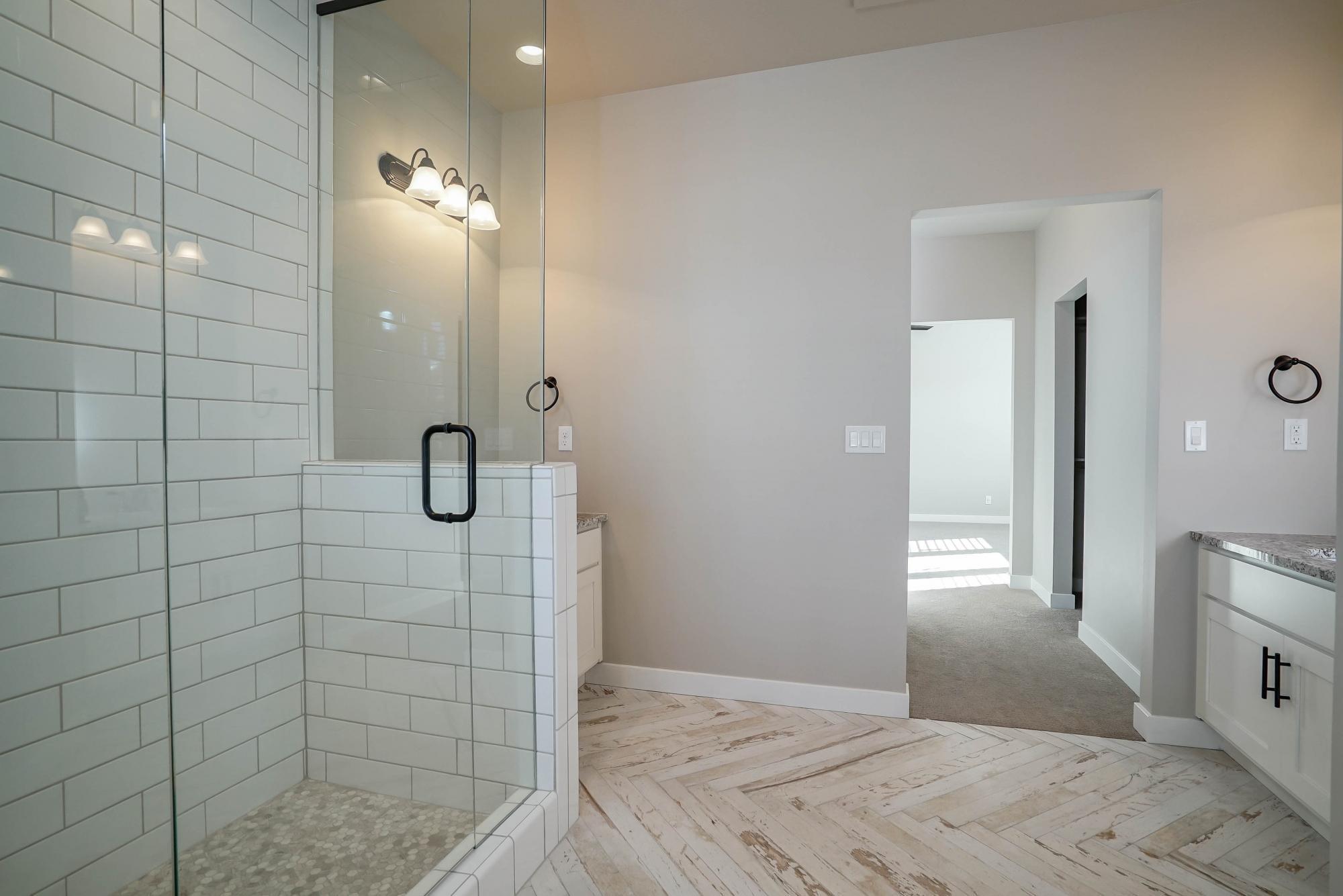 Bathroom-in-Hillsboro-at-Hill Farms-in-Kaysville