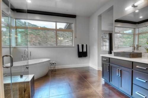 Bathroom-in-Penthouse-at-Skyview-in-Oakland