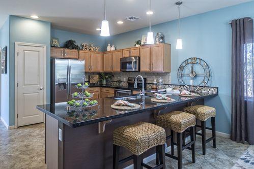 Kitchen Design Ideas in Phoenix-Mesa | 2404 Pictures | HomLuv on