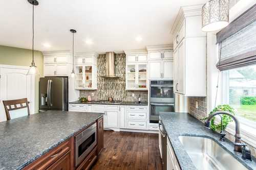 Kitchen-in-The Bromley III-at-Beavercreek - Build On Your Lot-in-Dayton