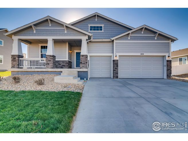 1674 Shoreview Dr (Summit)