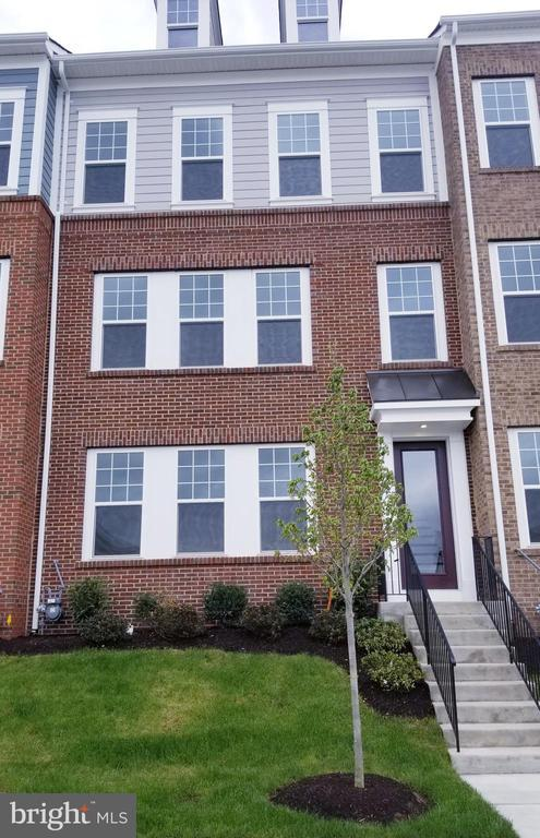 42964 Running Creek Square (Covington)