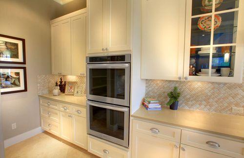 Kitchen-in-Colinas-at-West Parke-in-Cedar Park