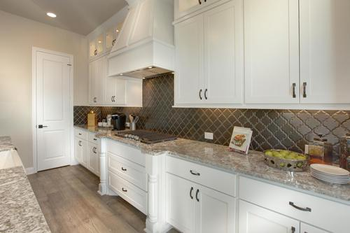 Kitchen-in-Palmdale-at-Summer Lakes-in-Rosenberg