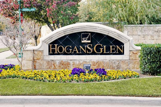 The Villas of Hogans Glen Entrance