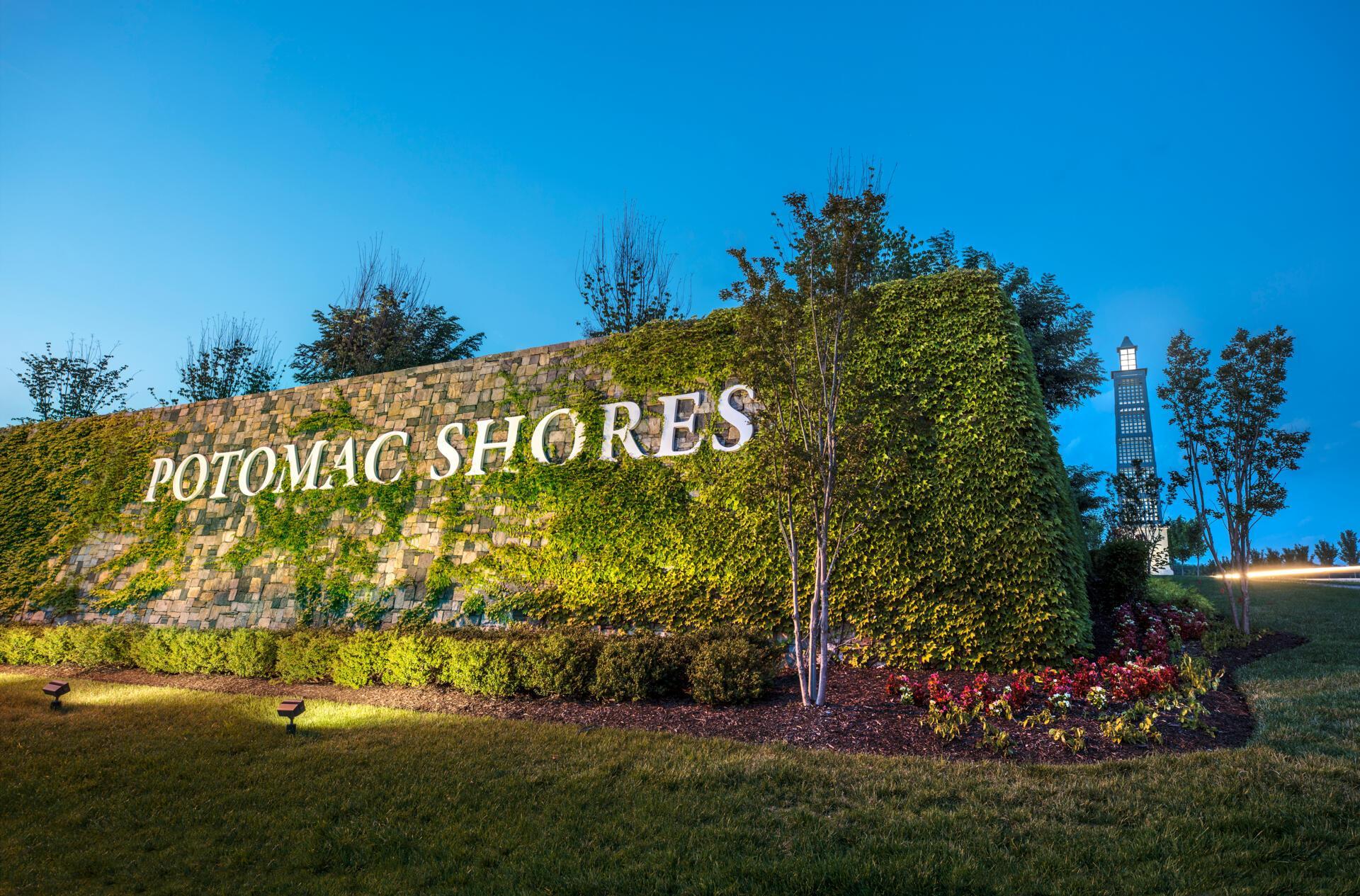 The Potomac Shores Entrance