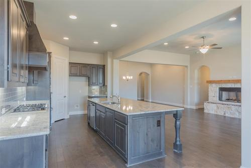 Kitchen-in-Anna-at-Ventana-in-Fort Worth