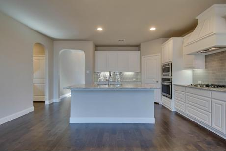 Kitchen-in-Summer-at-Woodcreek-in-Fate