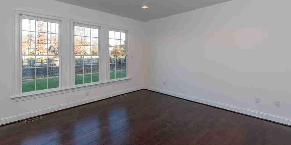 Eagle Construction Fulton Master Bedroom Windows