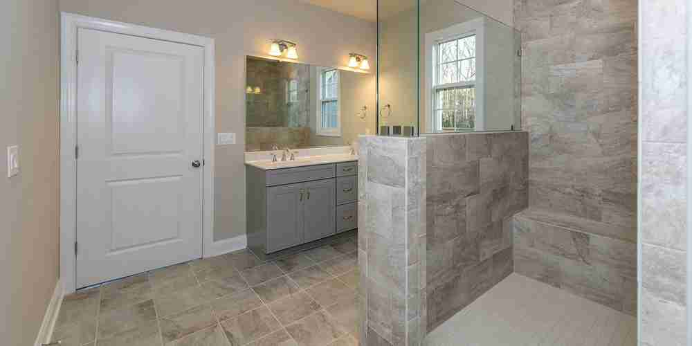 Eagle Construction Fulton Master Bathroom