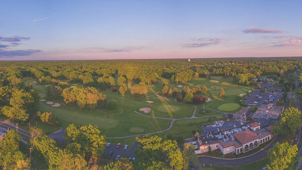 'The Villas at Spring Lake CC' by Eastbrook Homes Inc. in Grand Rapids