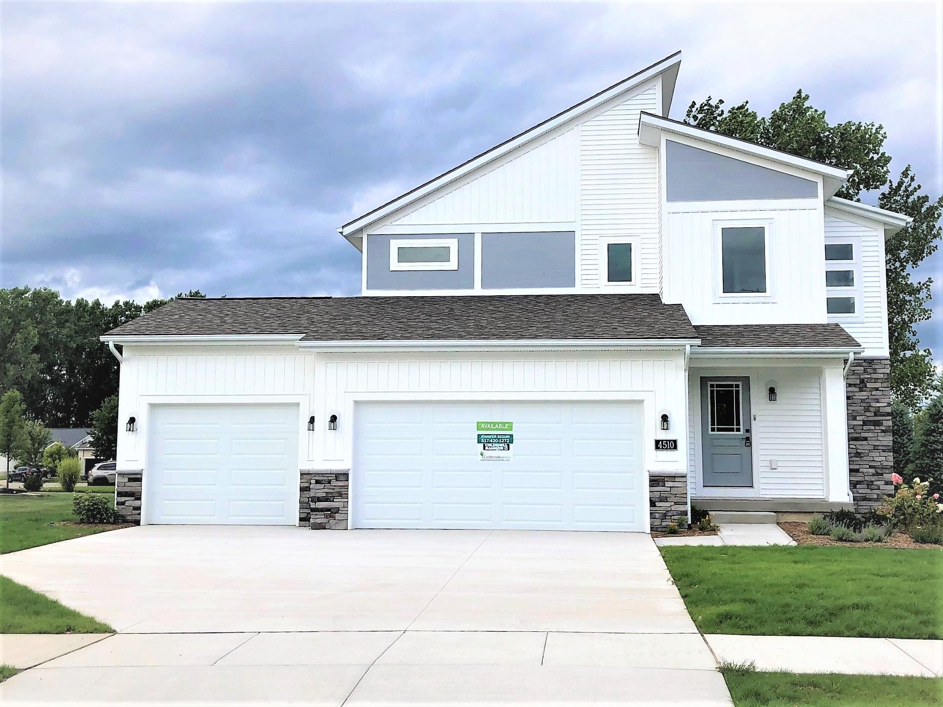 Exterior featured in The Rowen By Eastbrook Homes Inc. in Lansing, MI