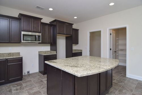 Kitchen-in-Drexel-at-Park West-in-Chapin