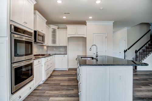 Kitchen-in-Davidson-at-Wellesley-in-Mooresville