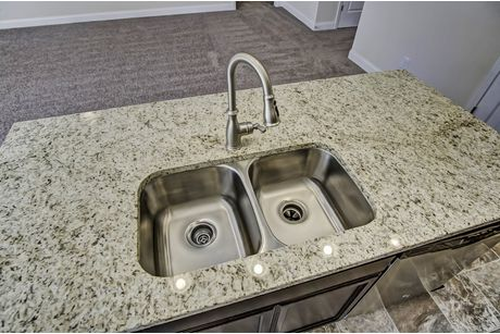 Kitchen-in-Stanley-at-Park West-in-Chapin