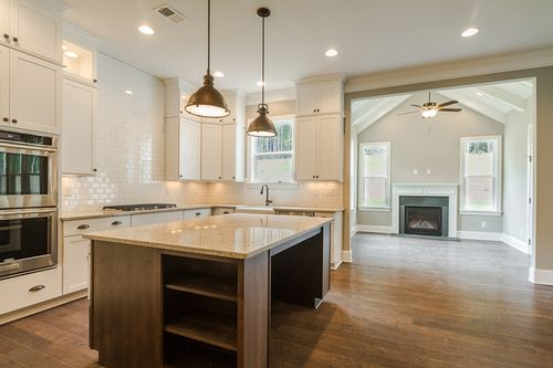 Kitchen-in-Woodruff-at-Manor North-in-Alpharetta