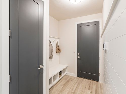 Mud-Room-in-Arroyo Plan 2224-at-Arroyo-in-Washington