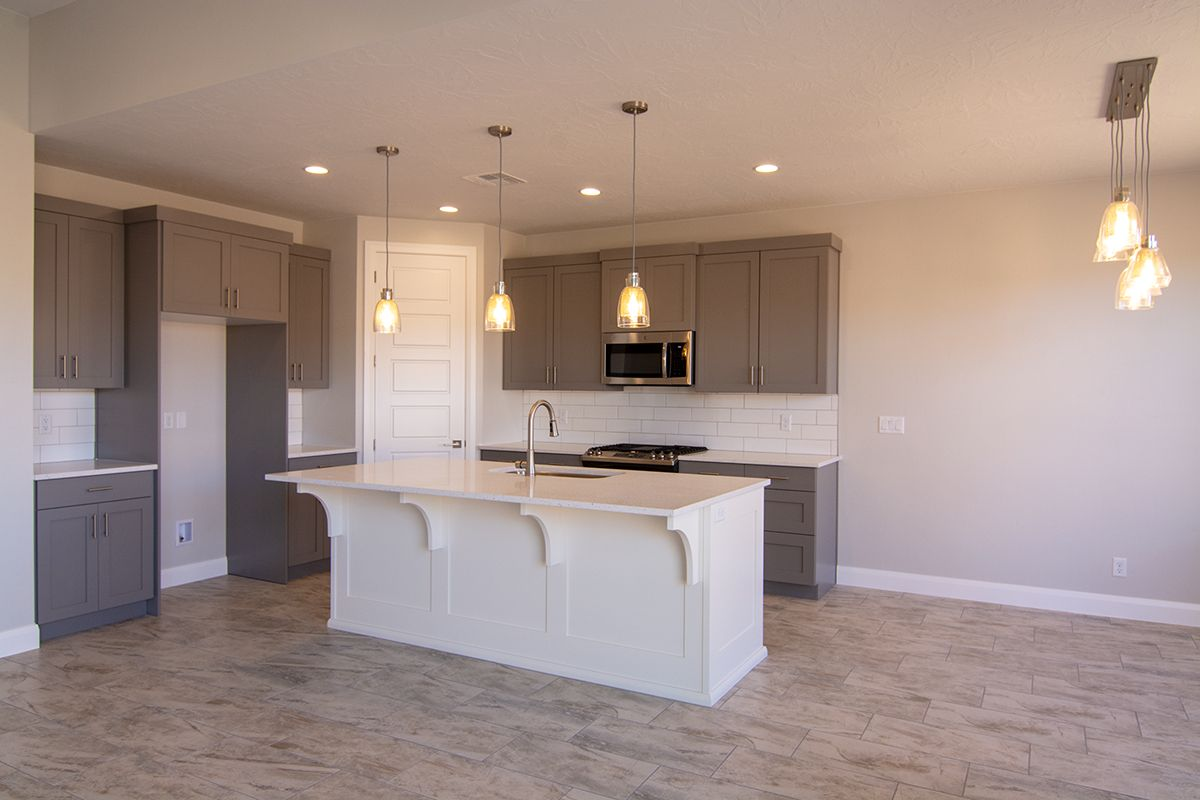 Kitchen featured in the Sentieri Canyon Plan 2004 By Ence Homes in St. George, UT