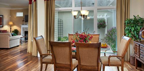 Dining-in-Portico-at-The Villas at Carriage Hills and West Georgia-in-Simpsonville
