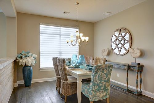 Dining-in-Verona-at-Fairway Estates at Catawba Island Club-in-Port Clinton