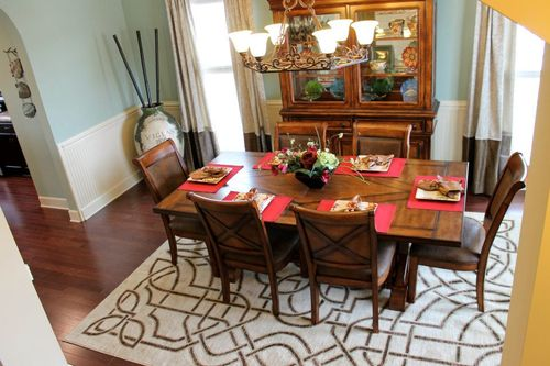 Dining-in-Greybeard-at-Clover Point at Belmont Glen-in-Guyton