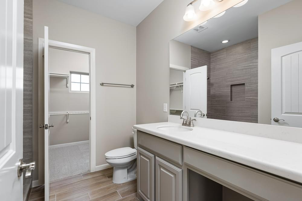 Bathroom featured in the Augustin By Esperanza in Rio Grande Valley, TX