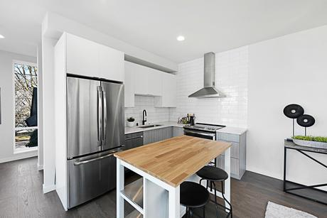 Kitchen-in-2515A-at-Founders Court-in-Seattle