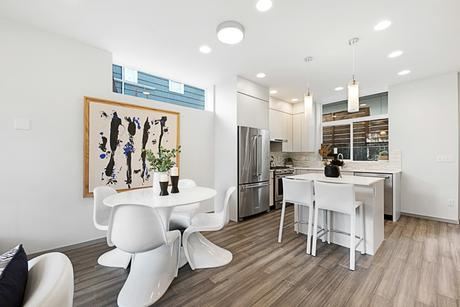 Kitchen-in-1007-at-Panorama-in-Seattle