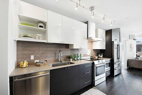 Kitchen-in-Unit 407-at-Hendon Condominiums-in-Seattle